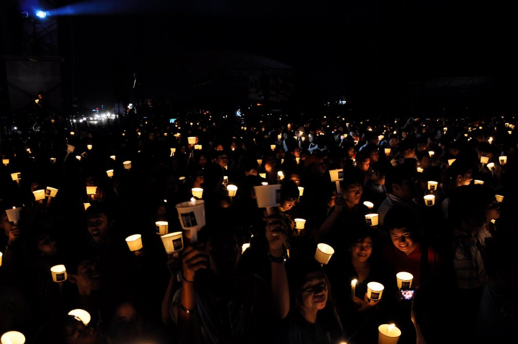 41_earth_hour_2011_by_wwf_philippines__chris_ng